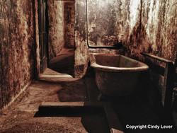 J Ward Governor Bathroom