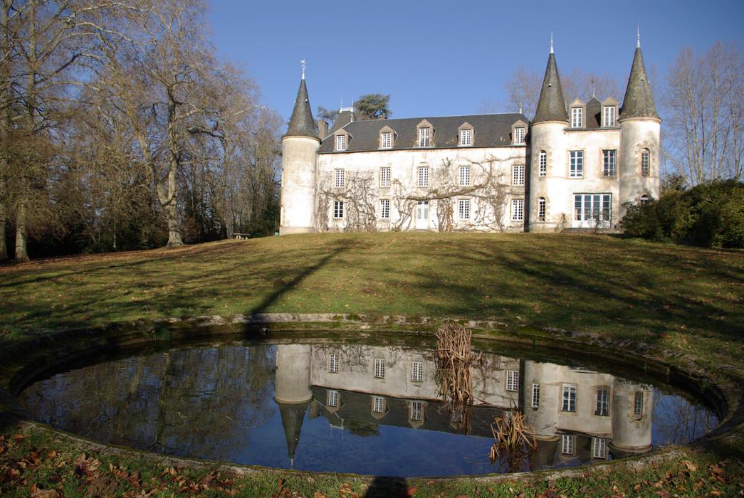 Château_de_Chadebec.JPG