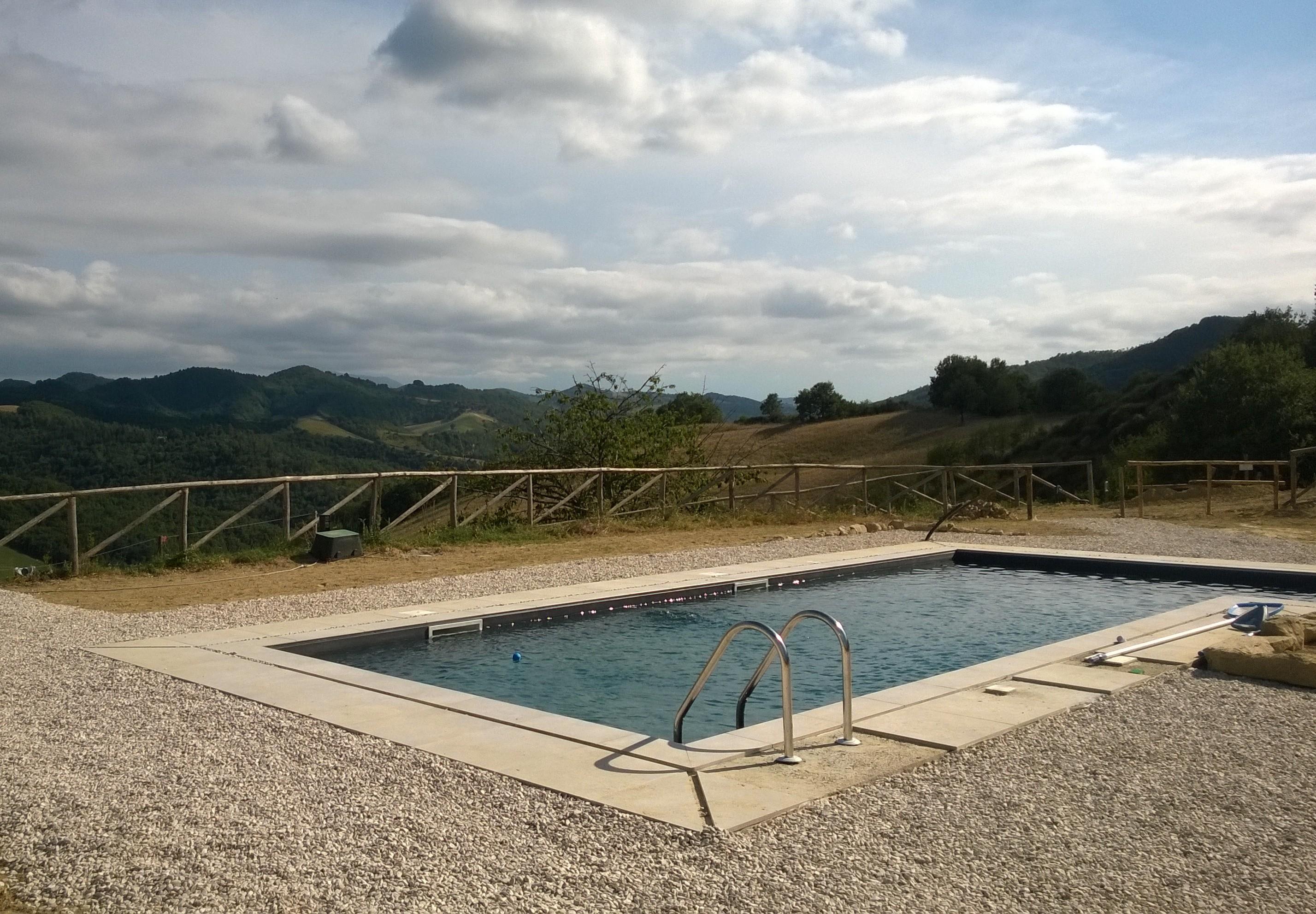 piscina da scorrimento