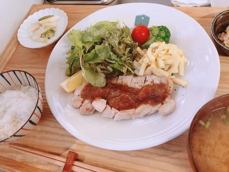 初登場の日替わり定食メニュー   【ポークソテー いちじくソースがけ】