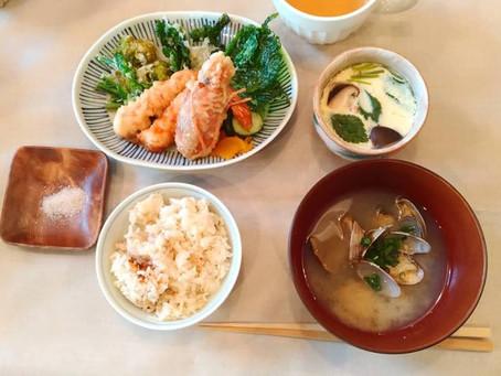 【ベジッポキッチン】4月は土鍋鯛めしと山菜の天ぷらと茶碗蒸し