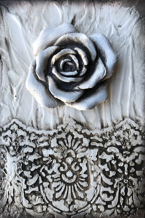 Bloomed Lace