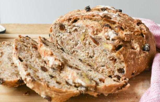 No-Knead Raisin Walnut Bread