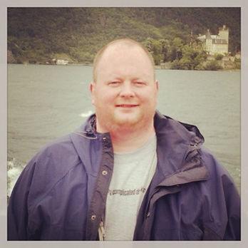 Sean Macmhaoinigh before