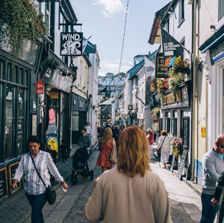 Experience the perfect retail therapy in St Ives ...click again for more information