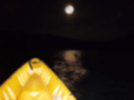 kayak nocturno.jpg