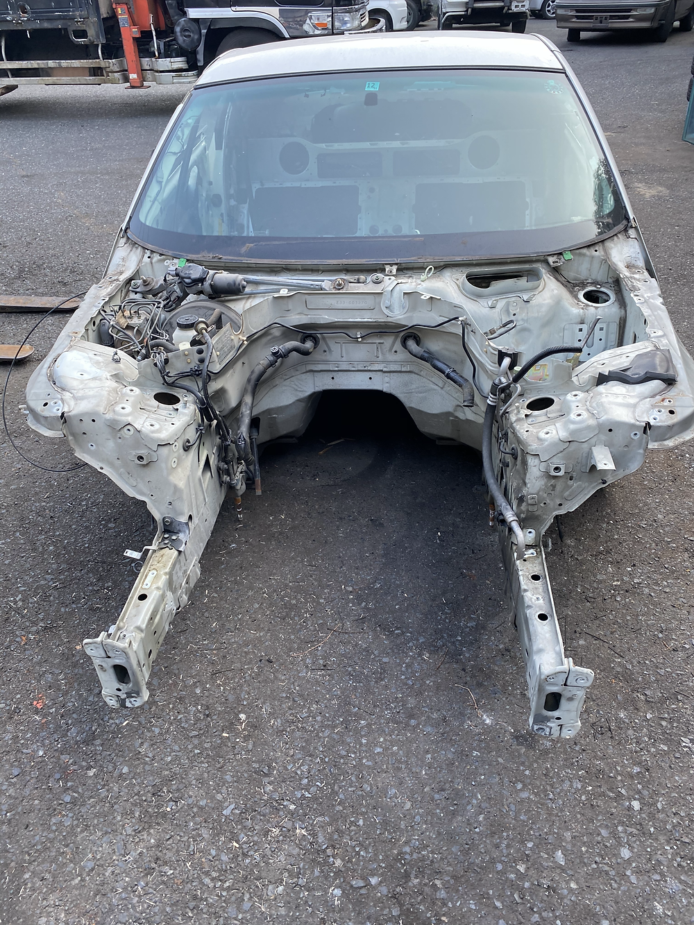 自動車解体 車 骨
