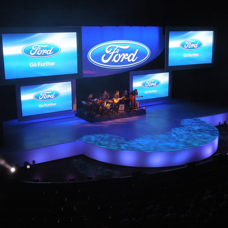 Ford  Scenic: Stage