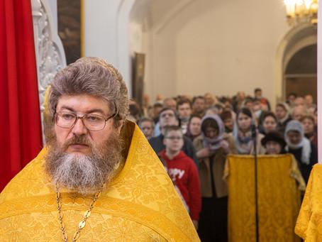 Божественная литургия в день памяти апостола Луки