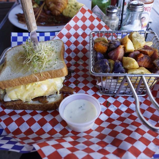 Brunch sandwich from Kitchen Stor
