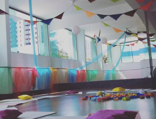 Bastidores das aulas: preparando o ambiente para receber mães e bebês