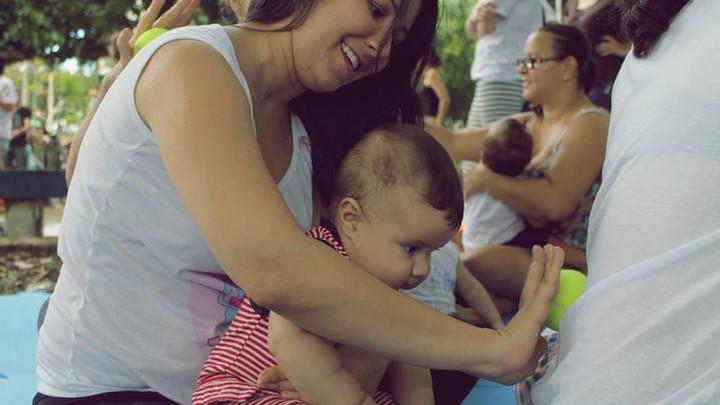 Dança Materna na Feira de Troca de Brinquedos em Salvador