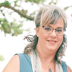 Teresa Roy Headshot.jpg