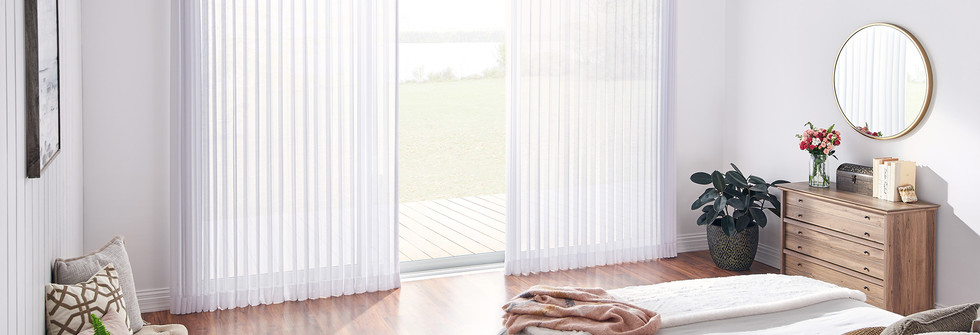 Graber Sheer Vertical With Wood Cornice