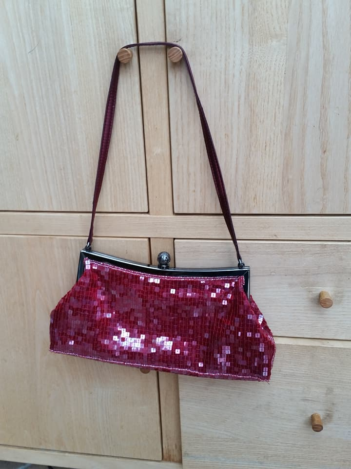 small hand/clutch bag