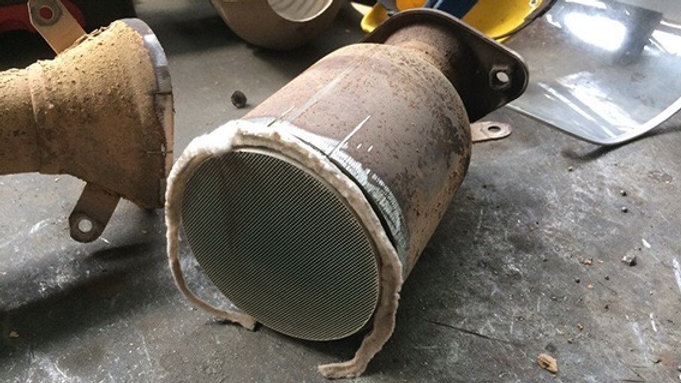 Удаление и отключение сажевого фильтра DPF. Услуга прошивки авто мастером