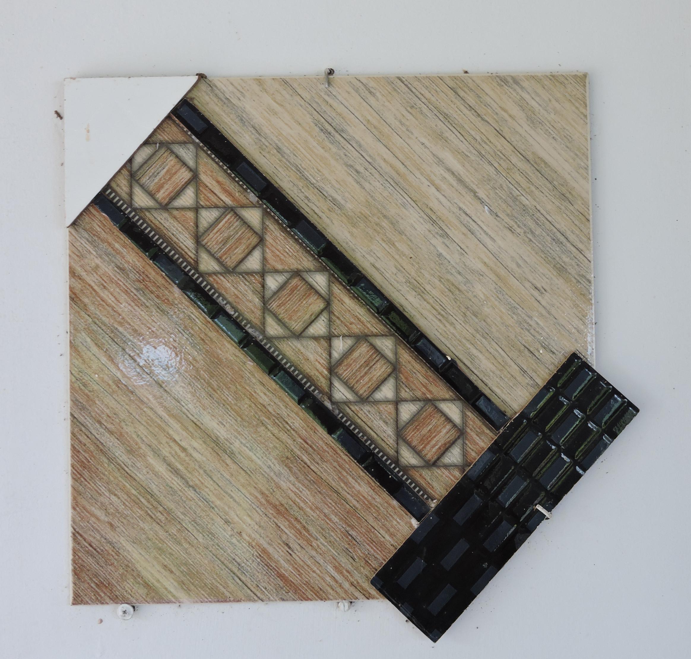 Creusa_Salame_-_Composição_3,_2012._Colagem_azulejo,_44x44