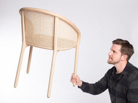 Latis เก้าอี้ที่ได้รางวัล Design Guild Mark 2019
