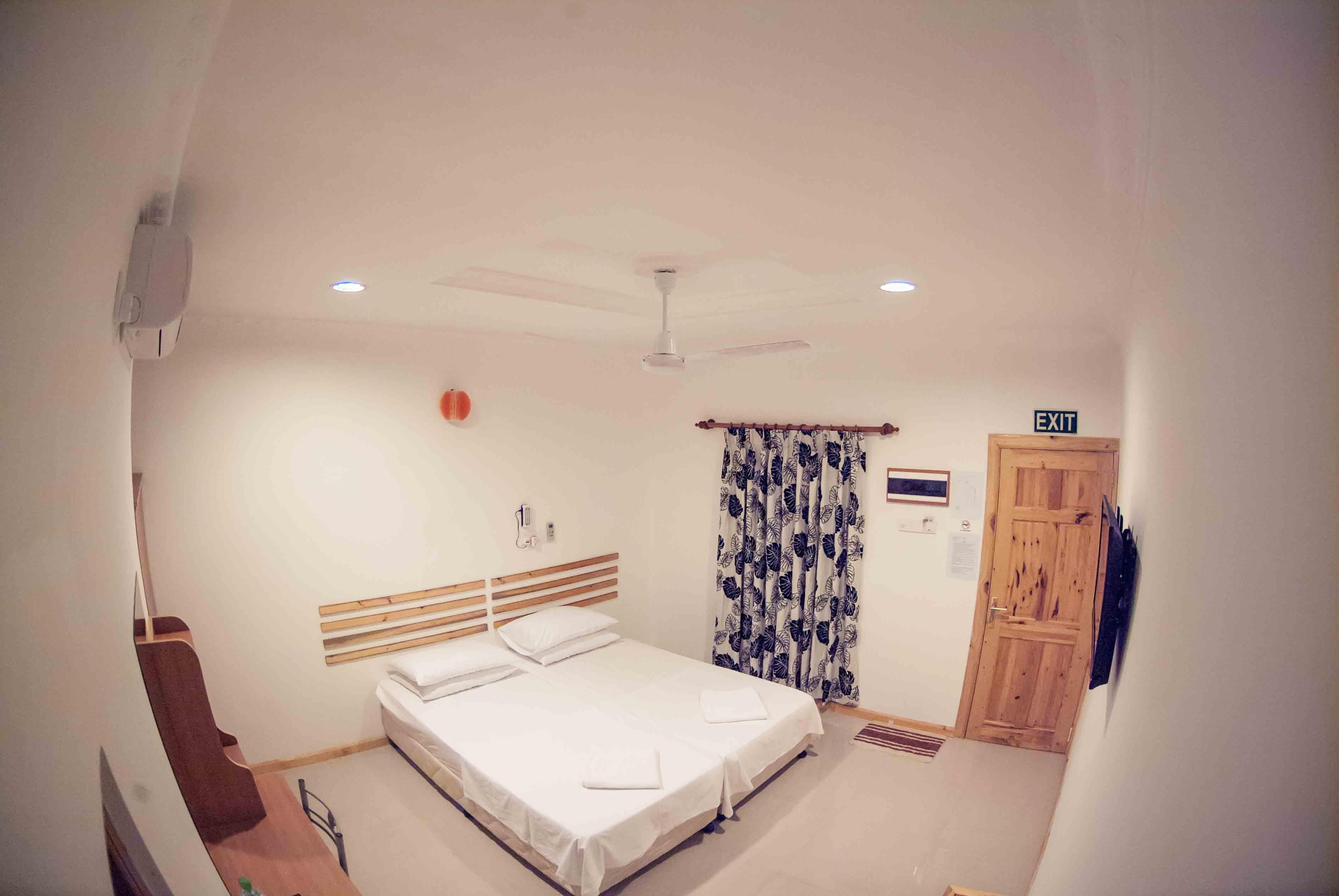 deluxe room4.jpg