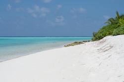 thoddoo bikini beach.jpg