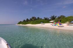 Thoddoo Tourist beach12.JPG