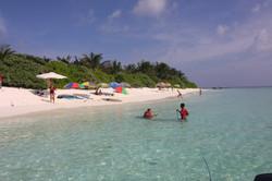 Thoddoo Tourist beach7.JPG