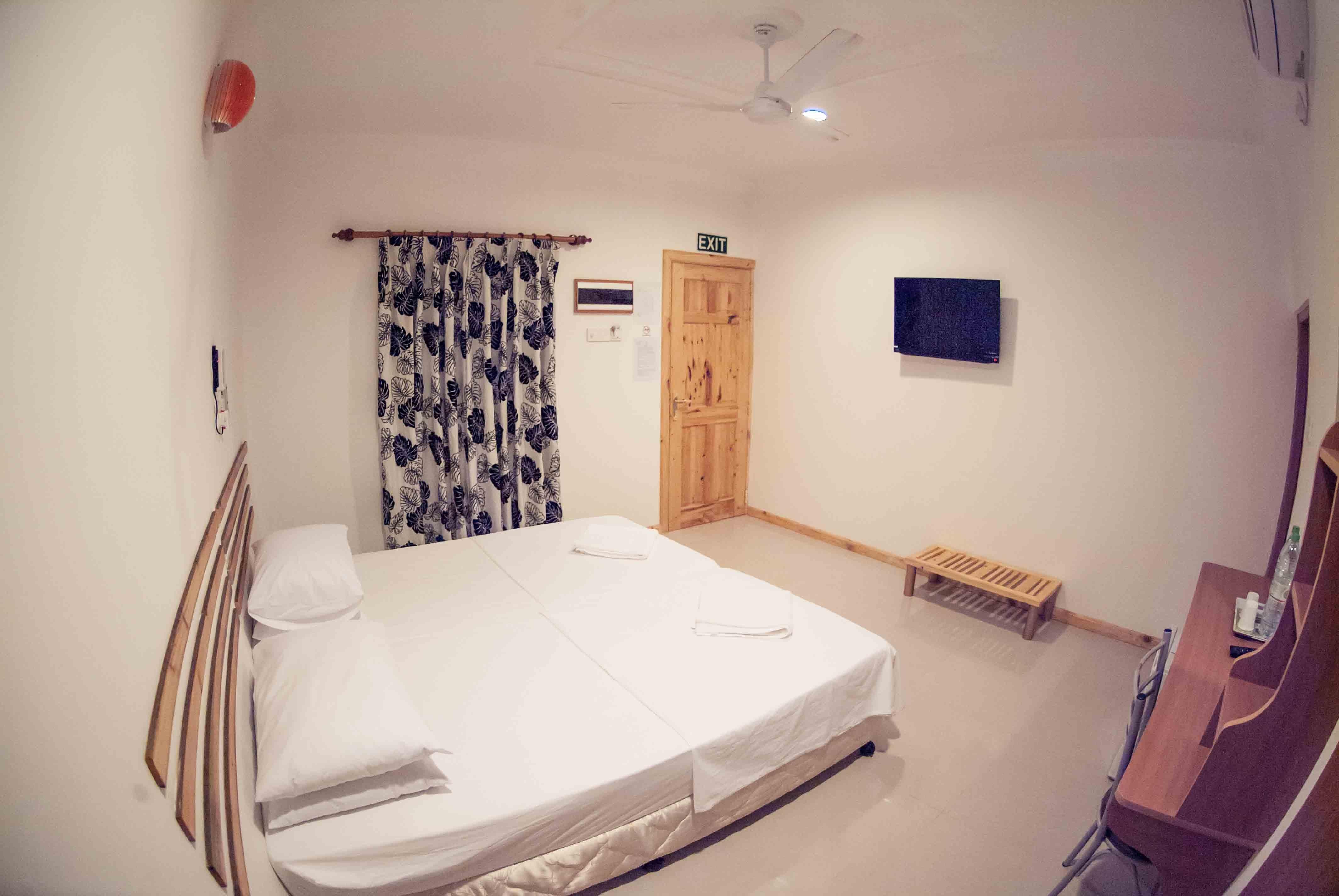 deluxe room3.jpg