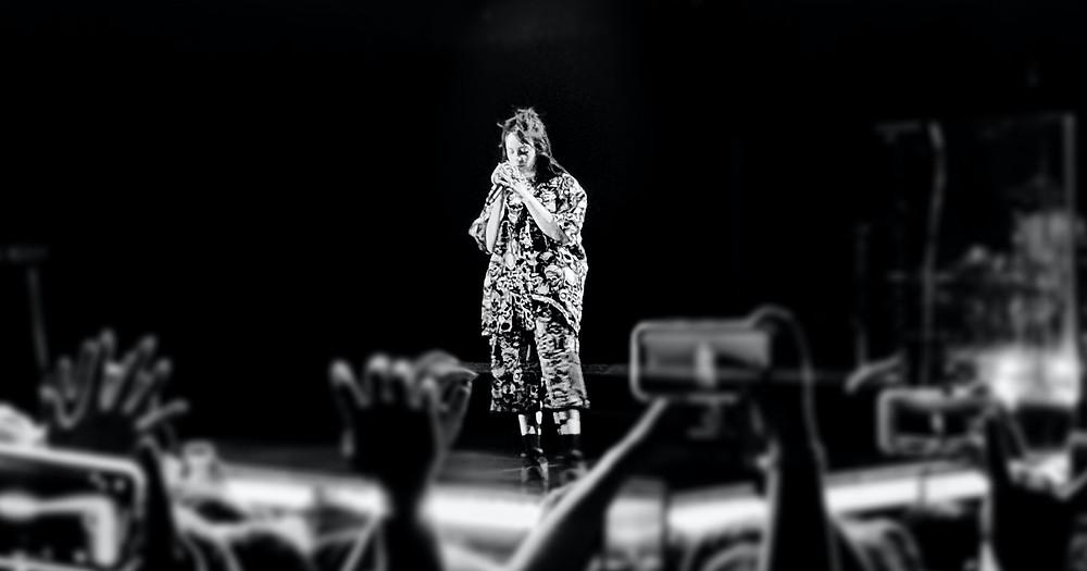 Billie Eilish sings to a crowd