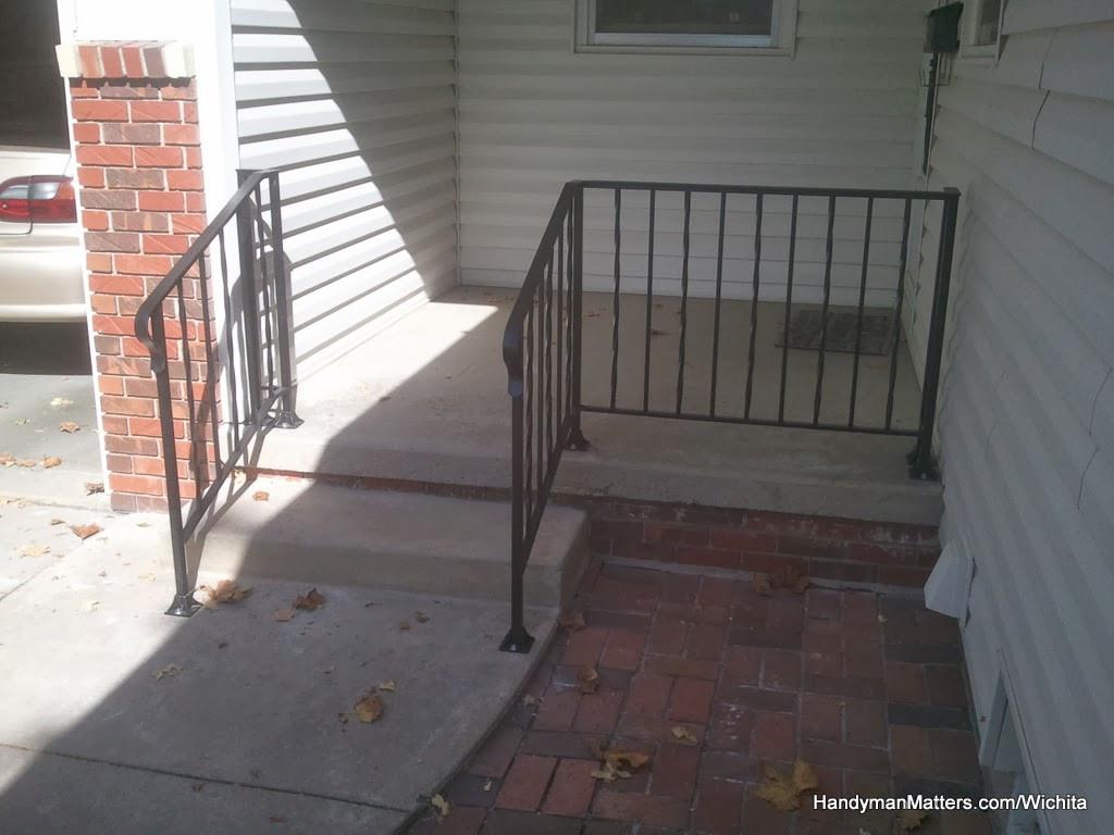 Rod Iron Porch Railing for Steps.jpg