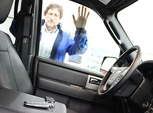 car-keys-locked-in-car.jpg