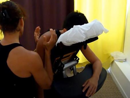 Extraits d'une formation au massage assis