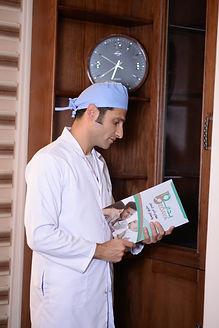 د. أحمد راغب في الكويت