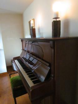 Piano (in snug)