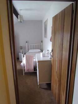 Twin bedroom (2 x singles)