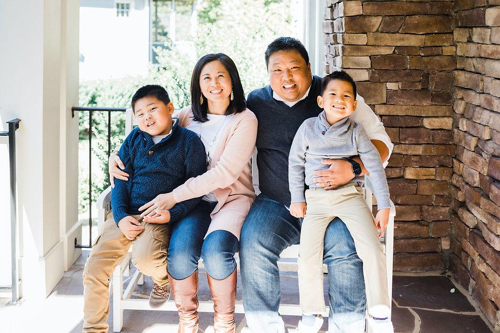 Yoo family photo 2020.jpg
