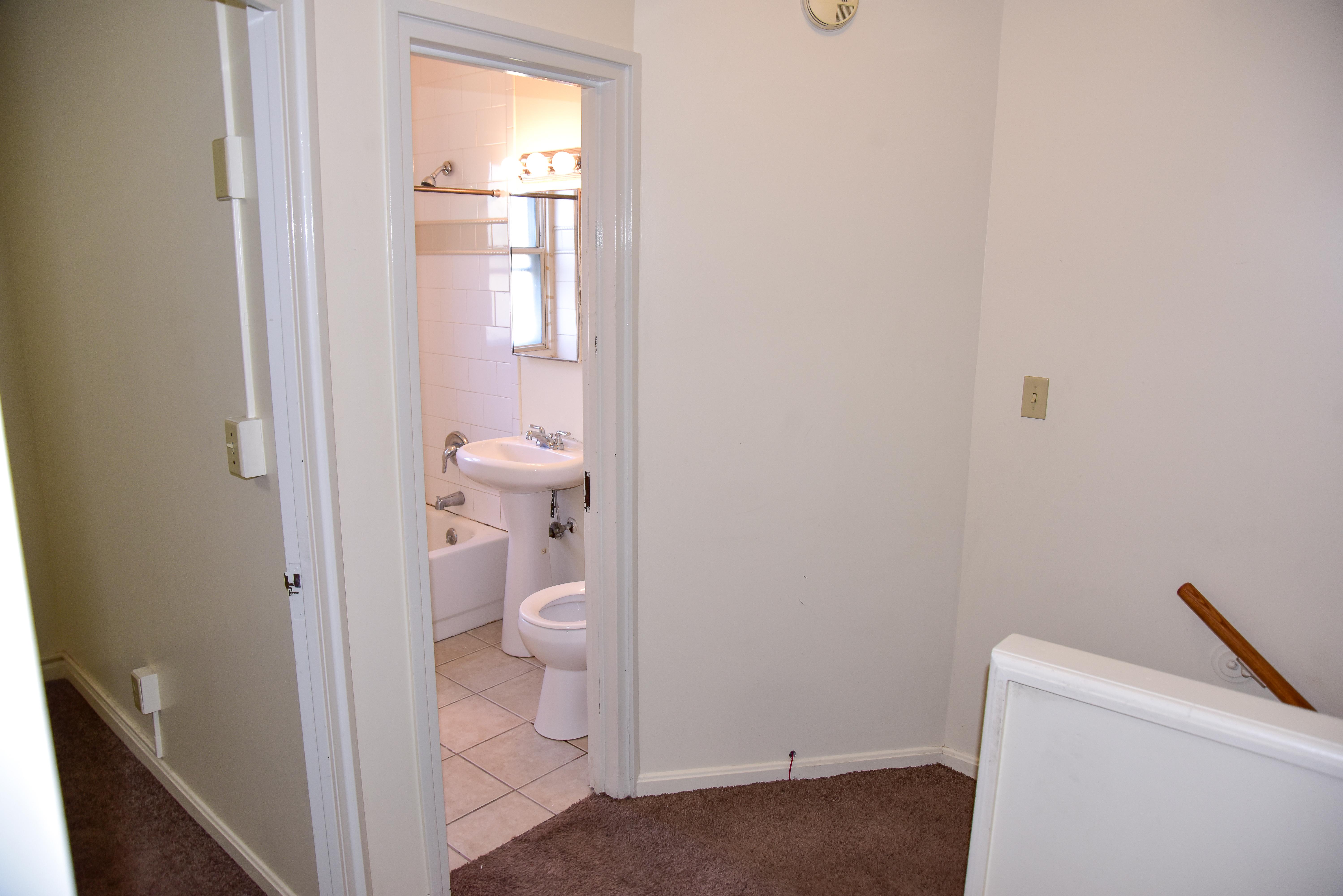 Hall area between Bedrooms