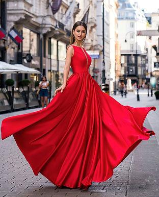 Лаконичное атласное платье Роуз