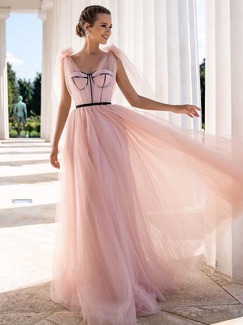 Оригинальное платье с корсетом