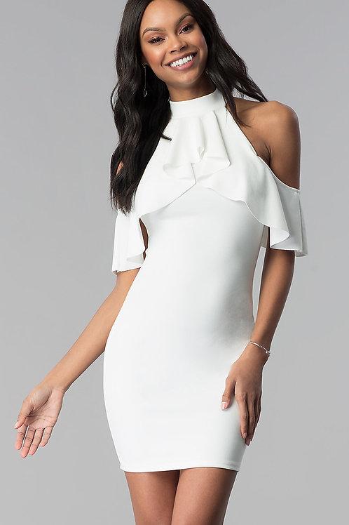 Коктейльное платье с приспущенными плечами