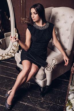 Бандажное платье-футляр с глиттером