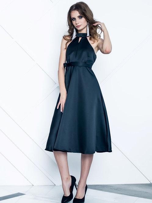 Лаконичное платье с американской проймой