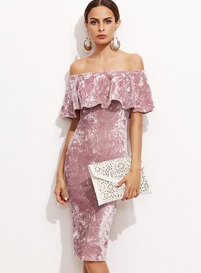 Бархатное платье с воланом