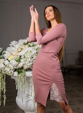 Трикотажное платье-футляр