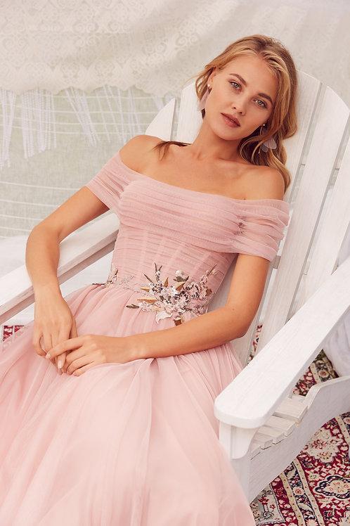 Трендовое платье Astrid