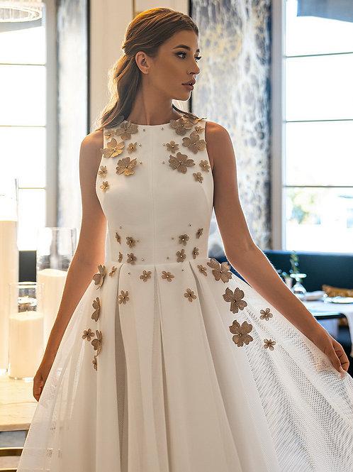Эффектное платье миди
