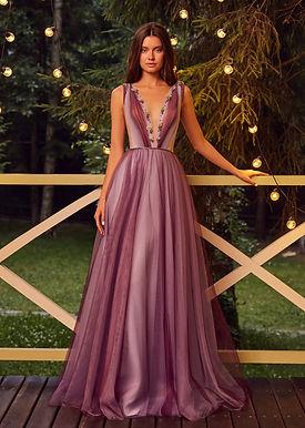 Эффектное платье Грэтта