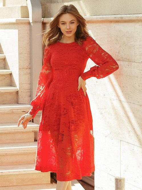 Кружевное платье миди длины