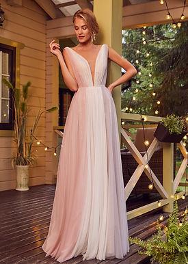Лаконичное платье Лазера
