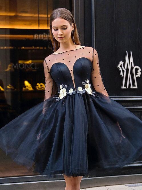 Коктейльное платье с перьями