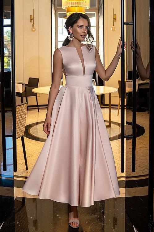 Лаконичное платье Скарлетт